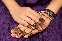 arabic-mehndi-designs-for-girls