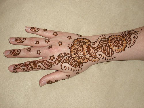 Simple Mehndi designs - 10