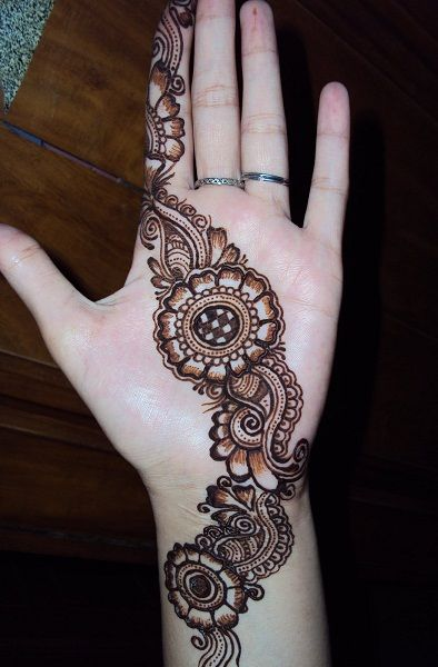 Simple Mehndi designs - 11