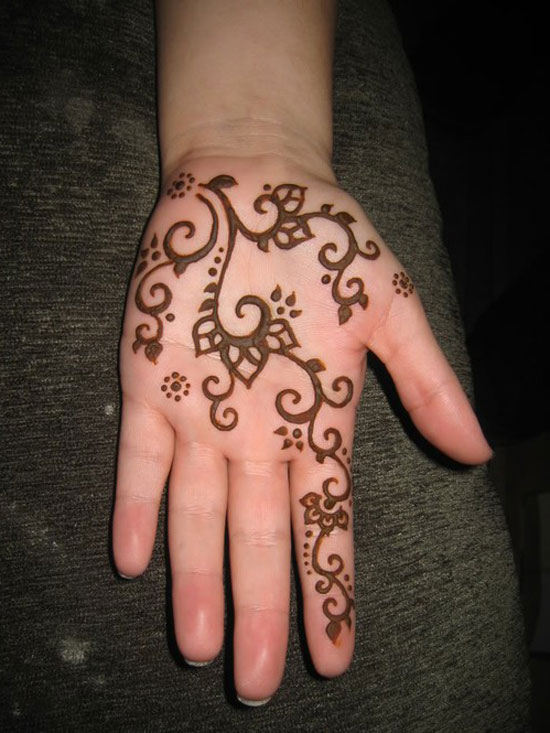 Simple Mehndi designs - 7